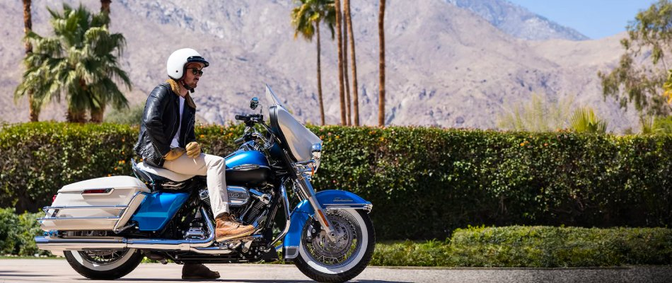 When it comes to selling a used motorcycle there are many options, including the Harley-Davidson dealership.